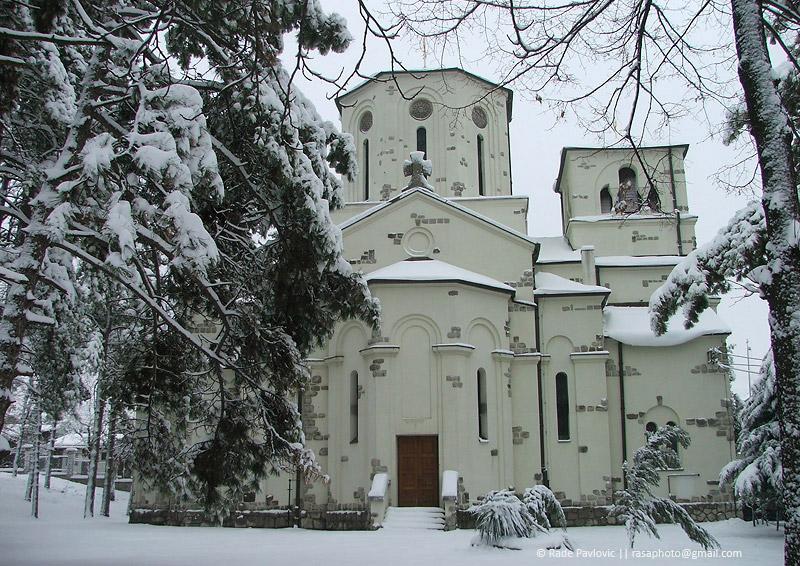 Zapadna strana Crkve Vaznesenja Gospodnjeg u Žarkovu
